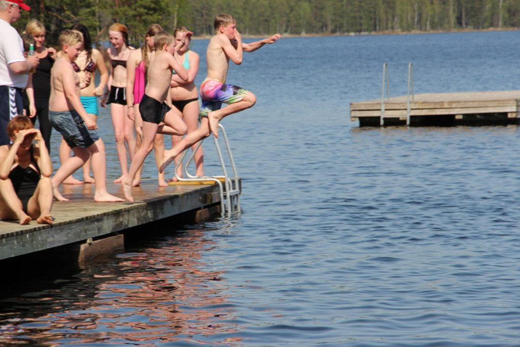 Leirikoulut - Järviluonnon keskellä Tanhuvaarassa